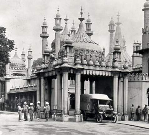 Groups of wounded Indian soldiers outside the hospital at the Royal Pavilion during the First World War. | Image reproduced with kind permission from Brighton and Hove in Pictures by Brighton and Hove City Council