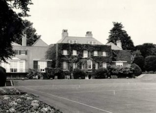 Preston Manor, 1985: South front of Preston Manor showing the croquet lawn. Photograph Copyright Evening Argus | Image reproduced with kind permission from Brighton and Hove in Pictures by Brighton and Hove City Council