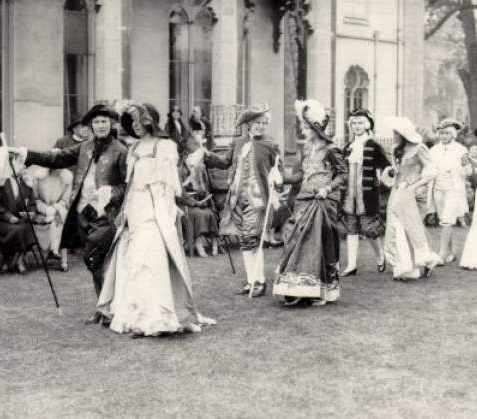 Parade of characters in Regency costume in front of Royal Pavilion in May 1937. | Image reproduced with kind permission from Brighton and Hove in Pictures by Brighton and Hove City Council