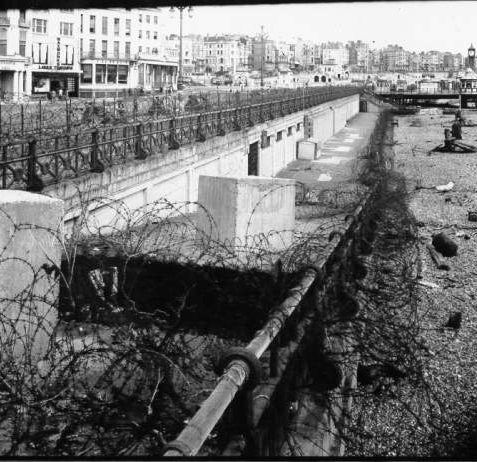 Brighton Beach defended against invasion by concrete block, barbed wire and land mines, winter 1940 | Image reproduced with kind permission from Brighton and Hove in Pictures by Brighton and Hove City Council