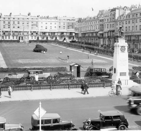 Regency Square, c. 1920: Regency Square was erected in 1818-28 on the site of Belle Vue Field, which had been used for fairs, shows and military camps during the 18th century. | Image reproduced with kind permission from Brighton and Hove in Pictures by Brighton and Hove City Council