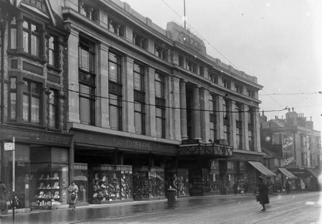 Brighton Equitable Co-operative Society, London Road, 1935: The