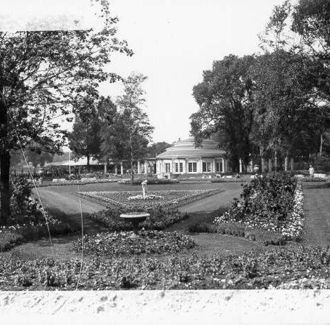 The Rotunda, Preston Park, c. 1930s | Reproduced with kind permission from 'Brighton and Hove in Pictures'