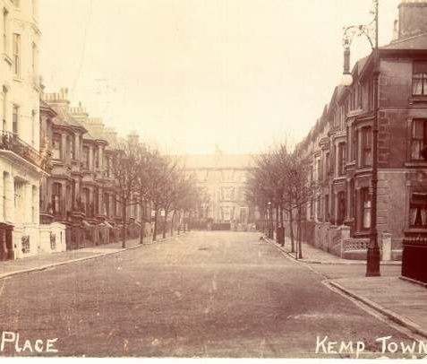 Eaton Place, Kemp Town, c. 1907: A view of Eaton Place looking north towards Eastern Road. Eaton Place was built between 1846 and 1855 by Thomas Cubitt on his own land. The lower part is lined with impressive four-storey buildings with wide bows and iron balconies, as can be seen on the bottom right of this photograph.   Image reproduced with kind permission from Brighton and Hove in Pictures by Brighton and Hove City Council