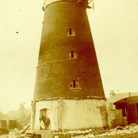 Demolition of Tower Mill, 1913: Tower Mill