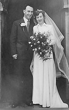 Ron and Joy Spicer at their wedding in 1952 | From the private collection of Ron Spicer